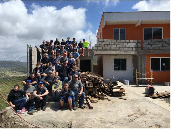 OnlineImage helps build a new orphanage in Mexico.